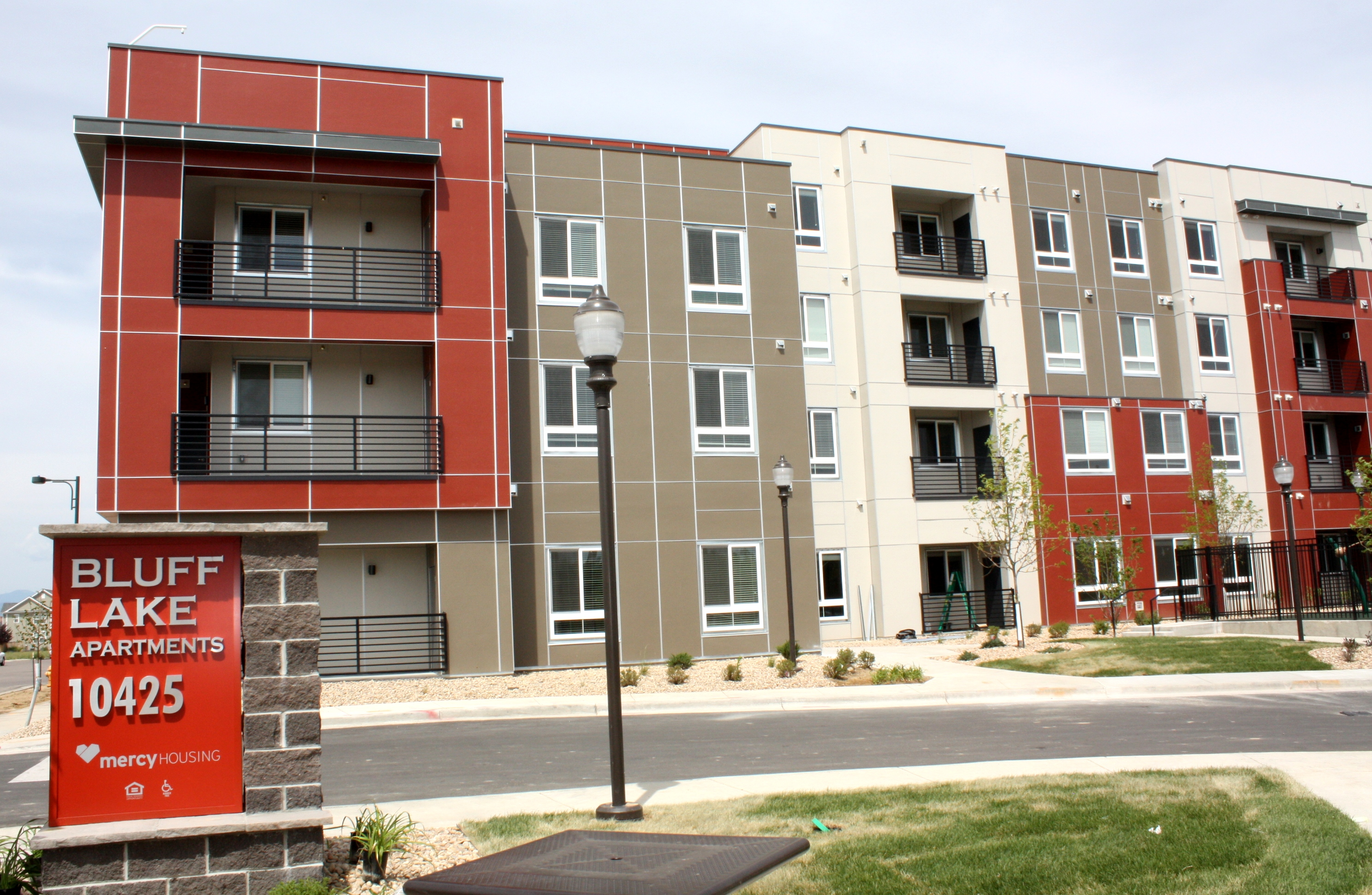 mercy housing welcomes bluff lake residents to affordable stapleton