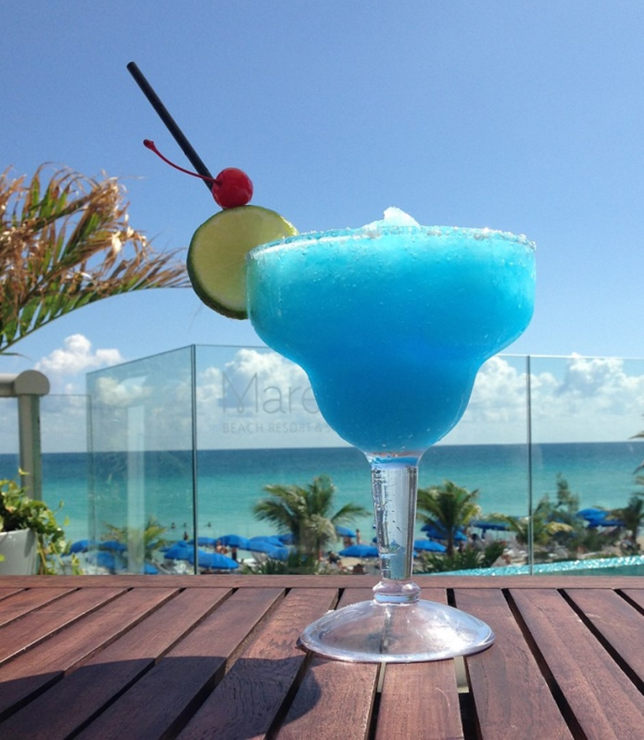 Personal luxury resorts hotels in florida celebrate for Cocktail florida