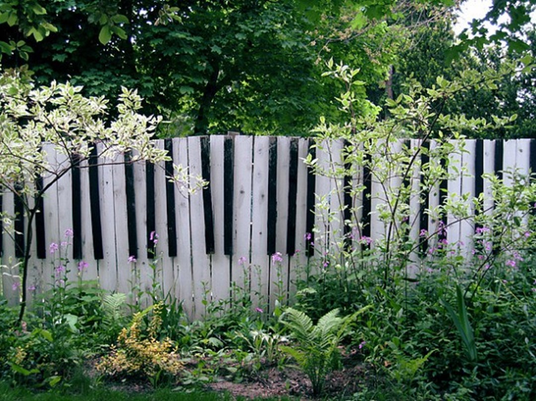 High Quality How To Get A Unique Garden Fence?