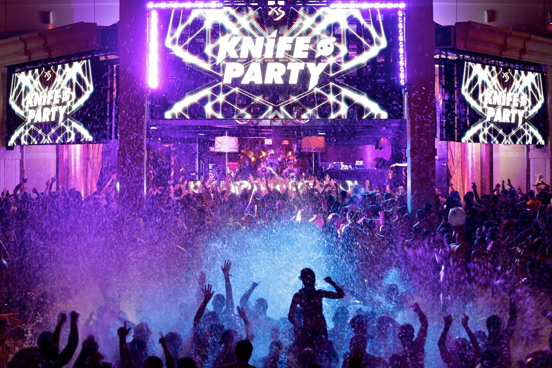 Take A Dip Under The Stars As Xs Nightclub S Premier Late