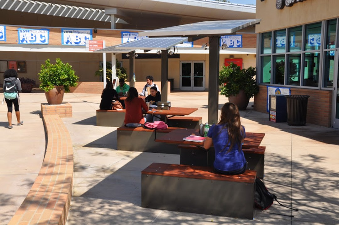 Uc Riverside Students Experience Power Of New Outdoor