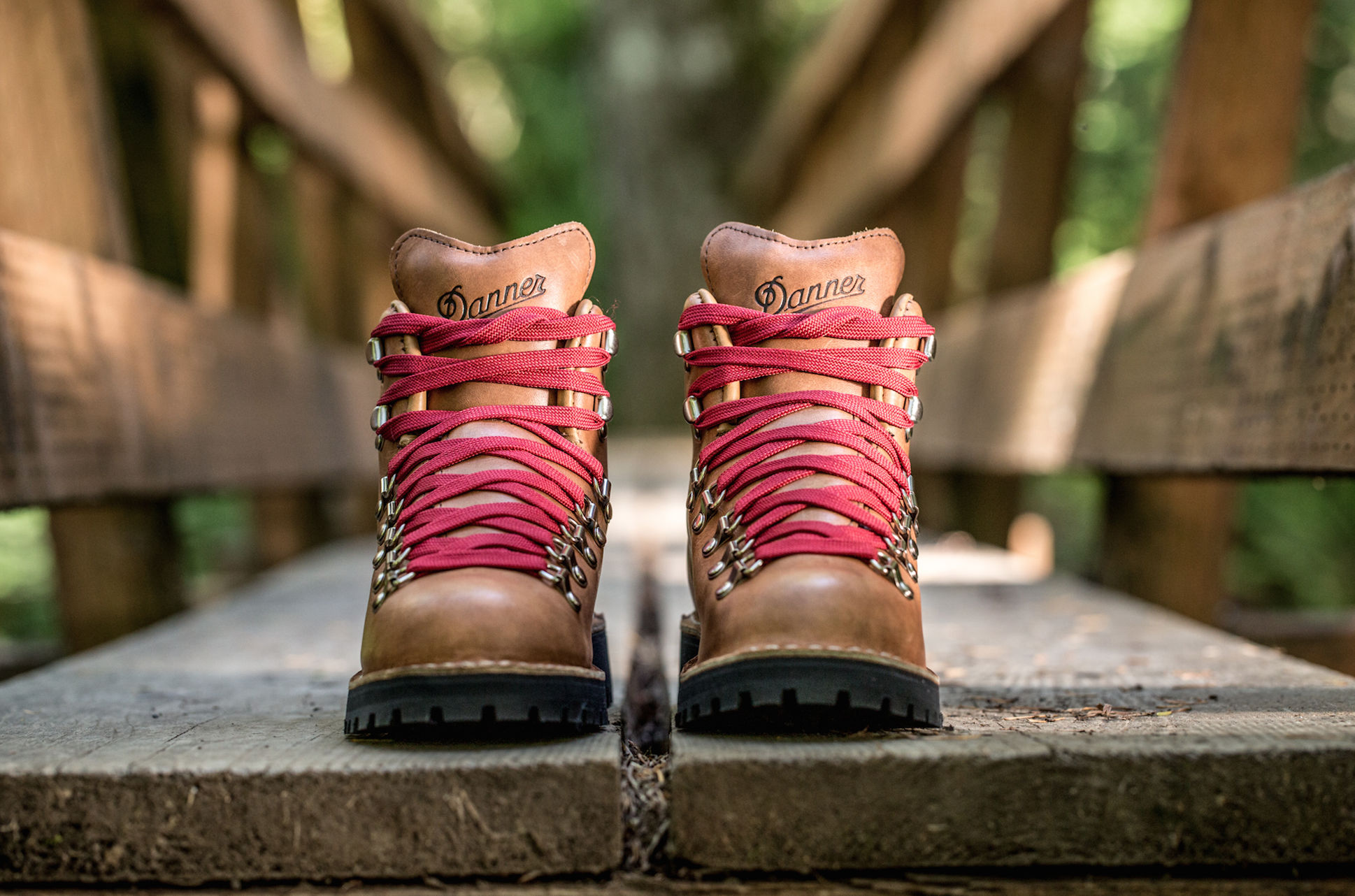 Danner Introduces The Mountain Light Cascade Hiking Boot